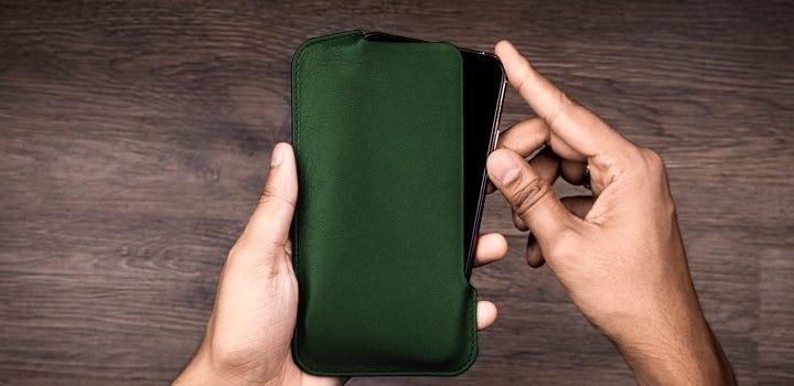 Funda para iPhone 11 Pro Max - Verde Oscuro - Piel Liso